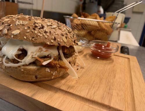 Burger essen beim Danzer